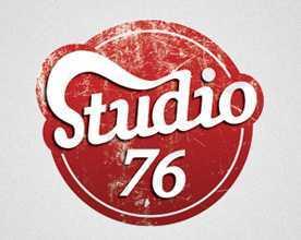 logotipo vintage MarTech FORUM